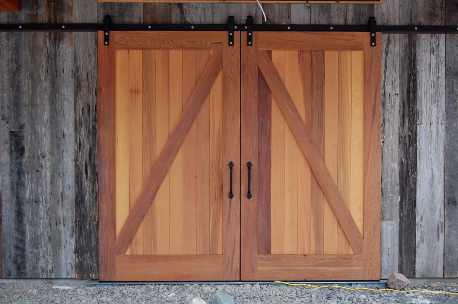 Bgd 201 AMISH CUSTOM DOORS KITCHENS BARN GARAGE INTERIOR